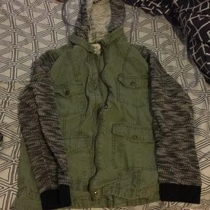 Army green knitted jacket